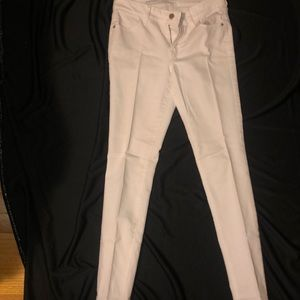 White Old Navy Super Skinny Mid-Rise jeans
